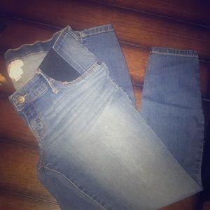 Woman's Maternity Capri pants!